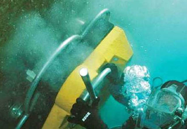 Underwater Hull Cleaning
